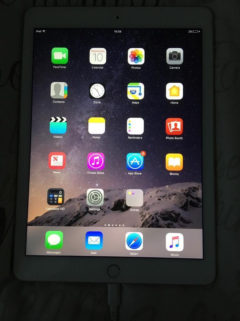 iPad Air 2 - 16GB - Gold - Practically new!
