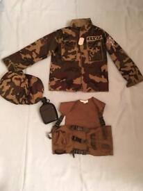 Army dressing up top & accessories age 4-6 years