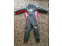 Kids wet suit 3-4yrs