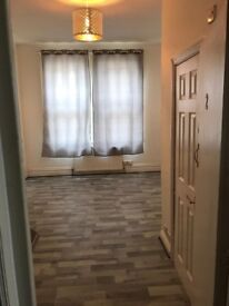 Studio flat in Southbourne and dogs welcome!