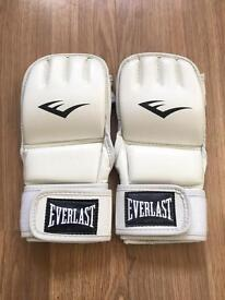 Everlast advance kickboxing gloves - brand new - white - L/XL RRP £29.99