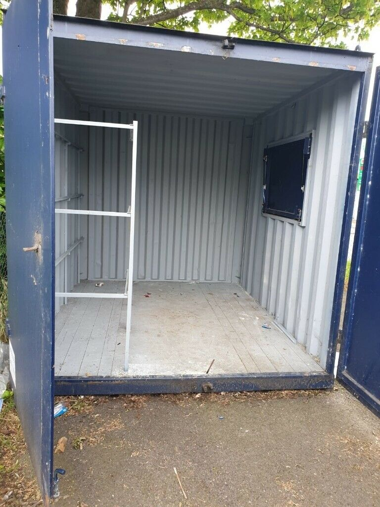 URGENT SALE!!! 10ft used Shipping container with serving