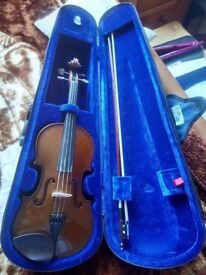 Violin with Case (Outfit Stentor 4/4 Student 1)