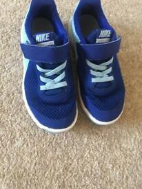 Nike girls trainers size uk 11
