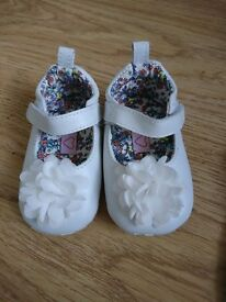 M&S baby girl leather shoes wedding size 3-6monts immaculate condition