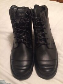 Size 13 new Goliath safety work boots