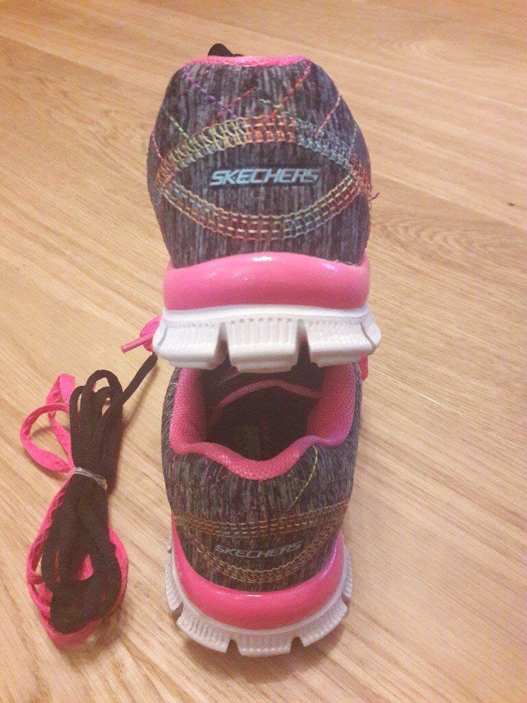 Skechers Memory Foam Lightweight Trainers (Girls size UK 13)
