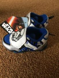 Star Wars trainers size 5