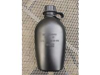 Black heavy duty plastic Dutch army waterbottle. Almost new condition