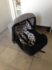 BARGAIN KIDDICARE CAR SEAT in EXCELLENT condition + removable new born back & head rest! RRP £100++