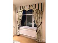 BEAUTIFUL CREAM AND BLACK BED ROOM CURTAINS WITH MATCHING PELMET AND BED THROW & DOUBLE HEADBOARD