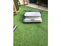 Roof box