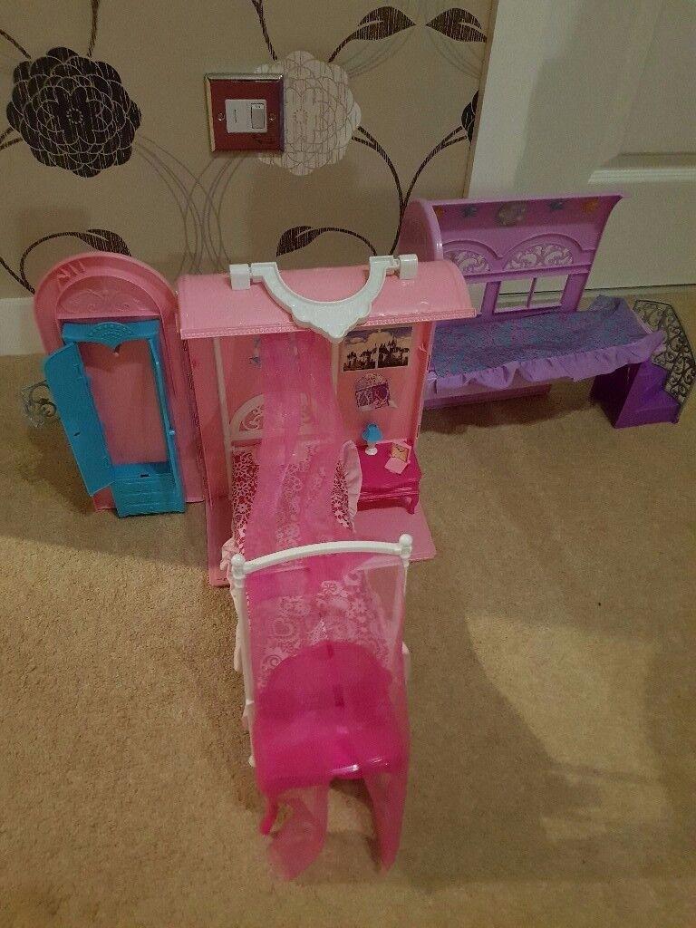 Barbie Princess pop up house