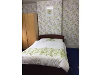 Double room for single person in Eastham to share in an Indian family Home