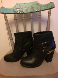 Ankle boots VGC size 6 £5