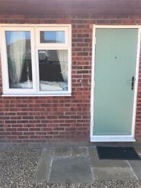 One bed flat for rent in Ashford Surrey price including bills
