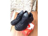 Nike Air Tn BLACK - UK size 9 - [BRAND NEW] - [NEVER WORN] - [STILL IN THE BOX]