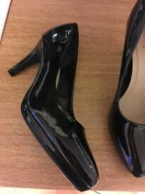 Black patent heels size 5