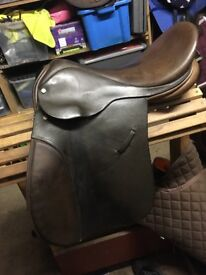 "18"" wide Ideal VSD/GP saddle"