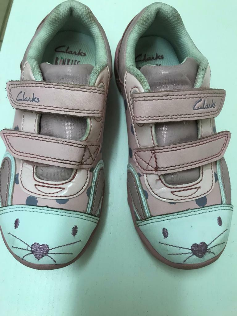 Girls shoes 9.5G Clarks