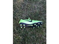 Nike mercurial football boots size 8