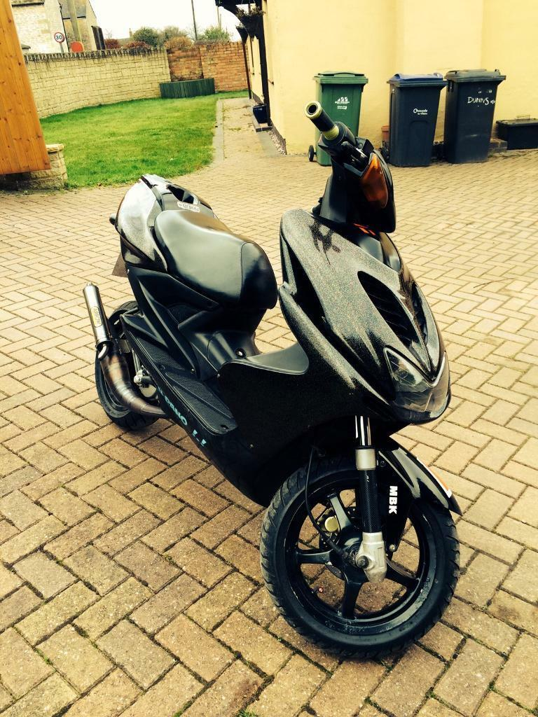 yamaha aerox 50cc rare colour in hilperton wiltshire. Black Bedroom Furniture Sets. Home Design Ideas