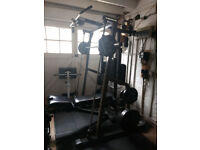 Nautilus Smith Machine in very good condition with nearly 180 KG weights and extra accessories