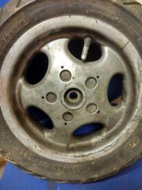 Vespa ET2 wheels/tyres