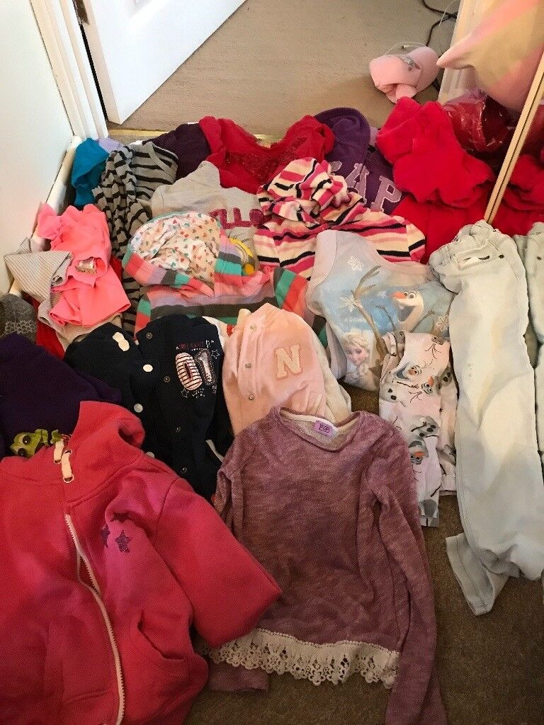 Huge bundle of girls clothes 5,6,7 years