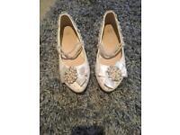 Wedding shoes size 6 £5