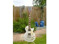 Gibson Les Paul Signature T 2013 - not with the rubbish robot tuner - priced to sell