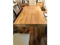 Large Soild Oak table & 6 chairs. Length 71 inches Width 36 inches.