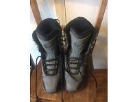 Boys Flow snowboarding boots size 5