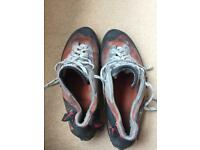Men's red chillies size 10 climbing shoes