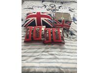 London room accessories
