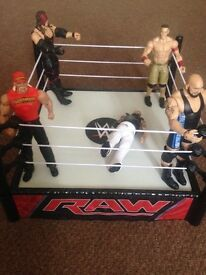 Wrestling ring and figures