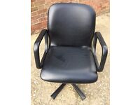 Hairdressing Stylists Chairs x 4