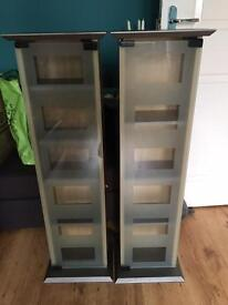 2 CD or DVD stands