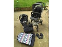 Travel system. Mamas and papas sola in denim