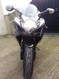 Suzuki Gsxr 600 k7 2007 black/red/white genuine very low mileage (3674) px