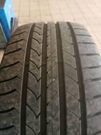 215/40R17 Goodyear tyre