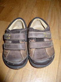 Bundle of Crocks (jibbitz) and Clarks Boy's First Shoes & Sandals size 4G & 4H. Very good condition.