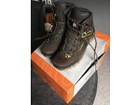 Women's walking Boots - LOWA, size 6.5 (UK)