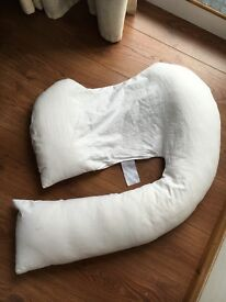 DREAMGENII MATERNITY NURSING CUSHION FOR SALE