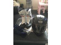 Alpinestars smx 6 boot size 9 and agv k3 sv