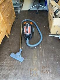 Vacuum cleaner/hoover by Van 2000W