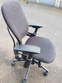 Steelcase leap V2 black great condition 160 quid
