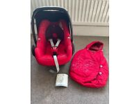 Maxi Cosi Pebble car seat age 0+ with Footmuff