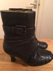 Real leather Hush Puppies black boots ladies 5