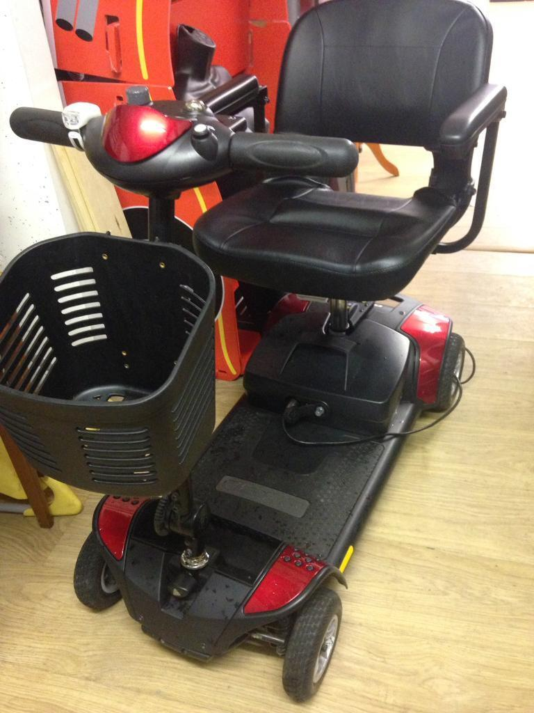 mobility scooter almost new in perfect conditions only 220£